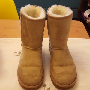 Women's Ugg boots size 6
